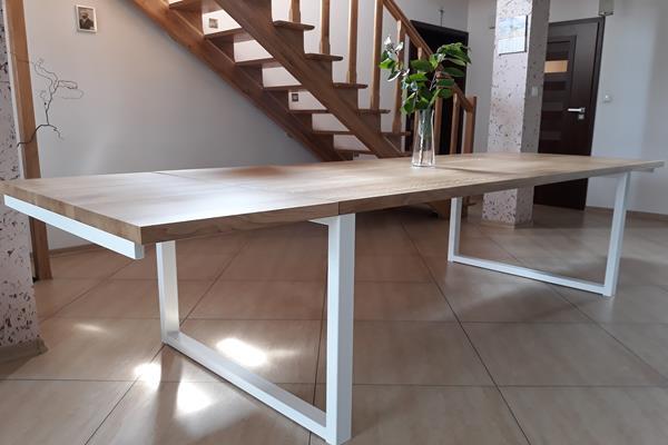 Stół industrialny rozkładany - piękne i komfortowe aranżacje wnętrz